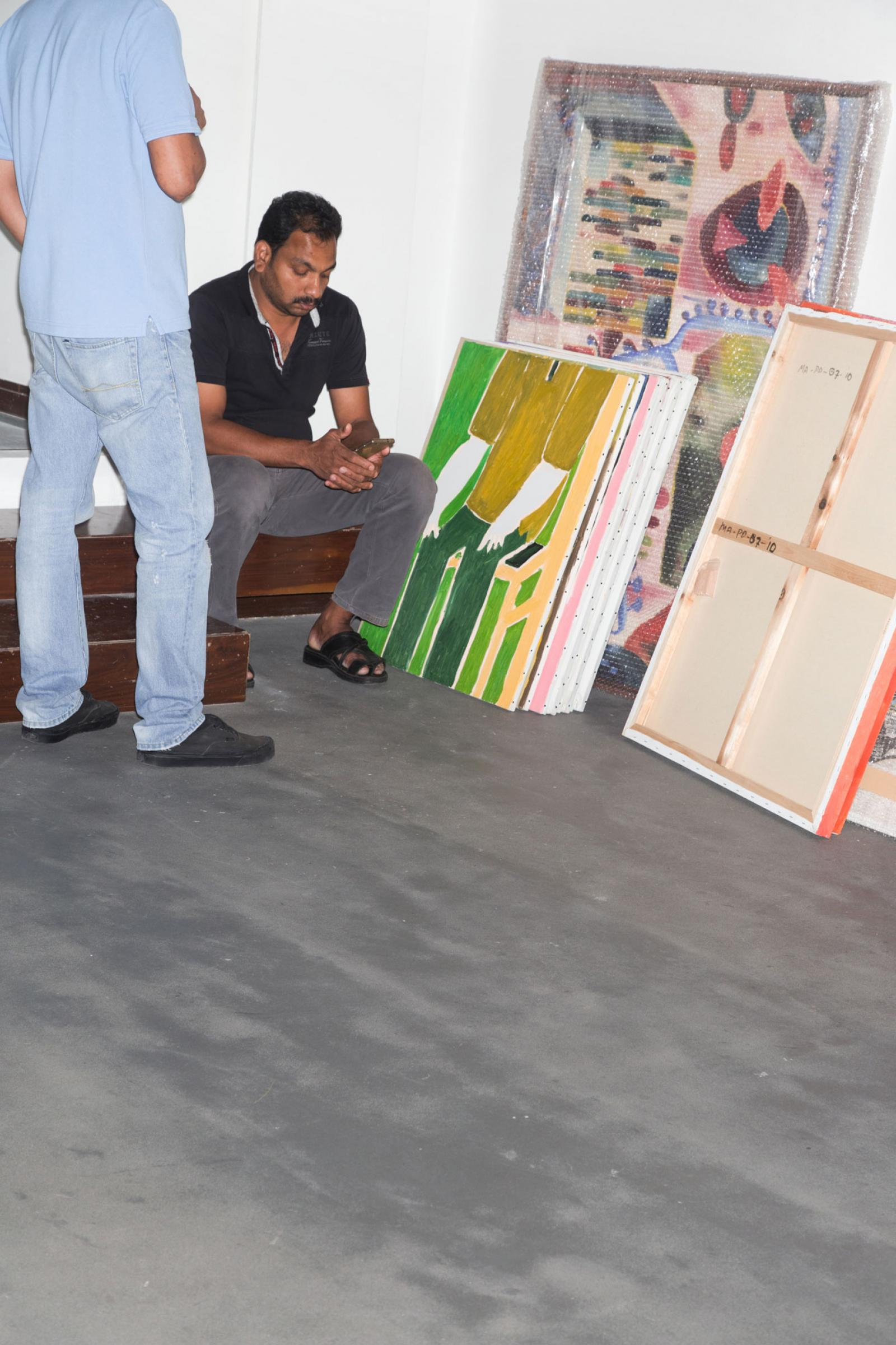 Installing Mohammed Ahmed Ibrahim's exhibition /Primordial II/ at Cuadro  gallery