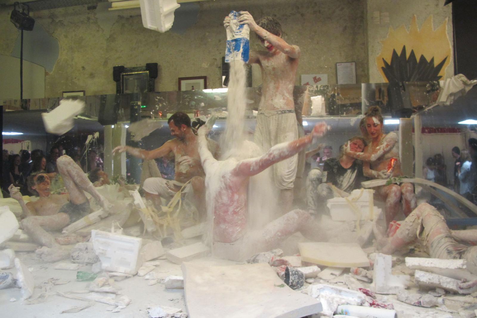 Gelitin Performance/The Guild of Giving /atCabaret der Künstler – Zunfthaus  Voltaire