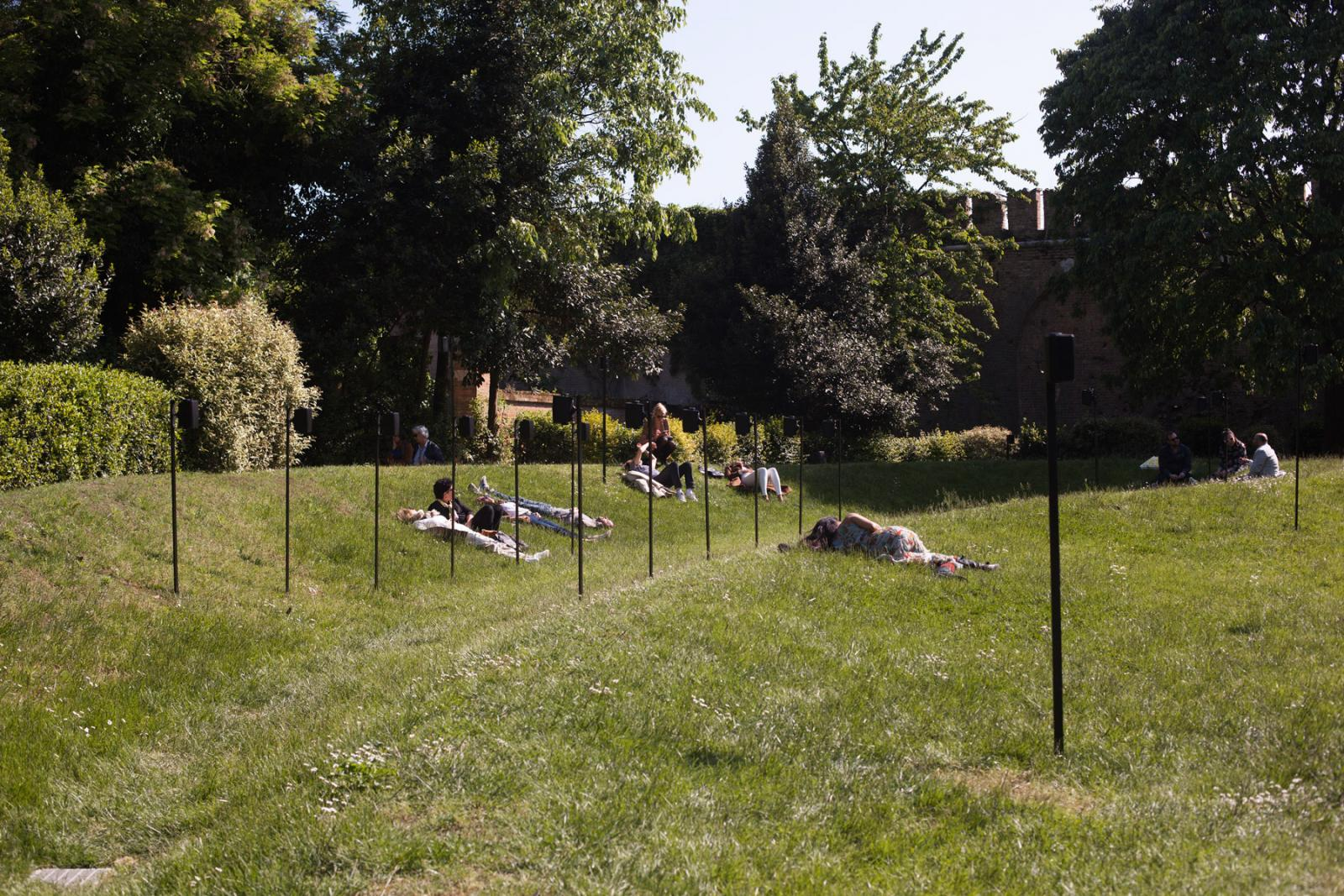 Hassan Khan /Composition for a Public Park/(2013/2017) Photo: Italo Rondinella