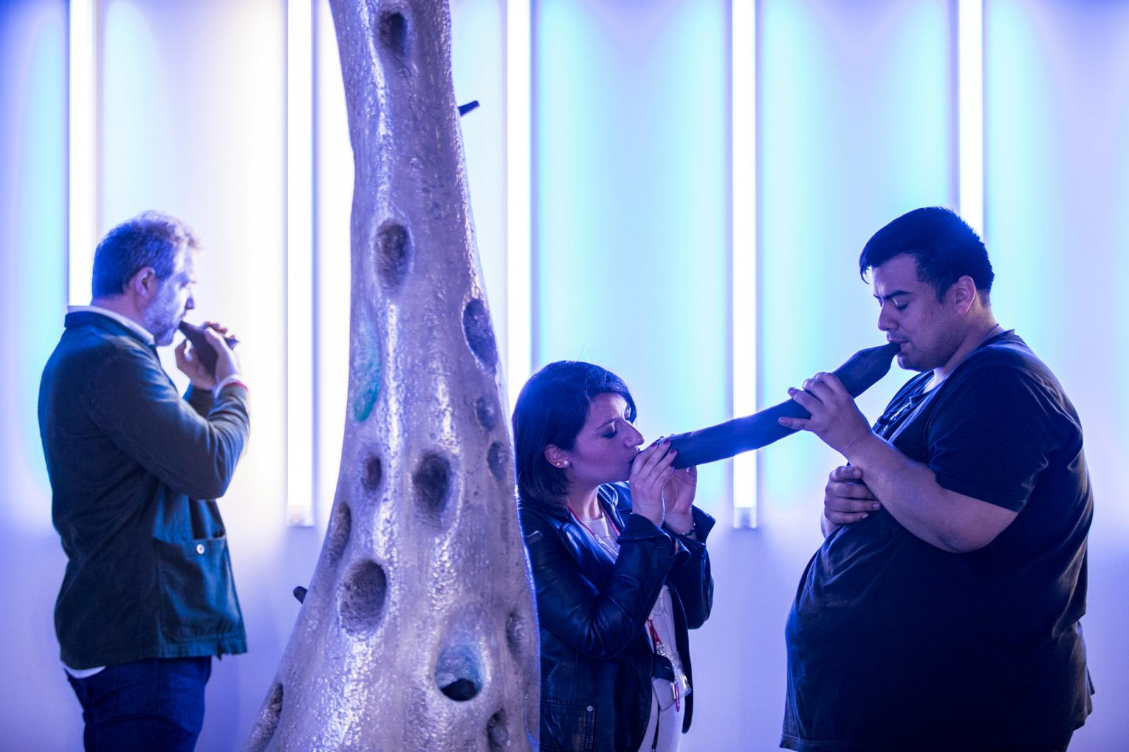 Ernesto Neto /Encounter with Huni Kuin – Boa Dance conducted Huni Kuin/(performance) Photo: Jacopo Salvi