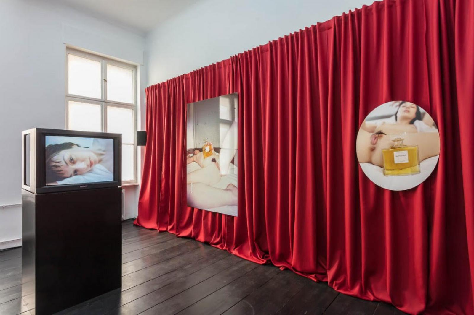 Symonds, Permain, Lebon /Iron Lady installation view at Isabella Bortolozzi Galerie/