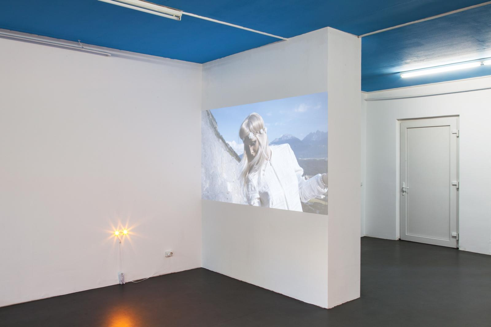 Jason Dodge,Lights the height of dogs eyes.  Richard Hoeck & John Miller Mannequin Death, 2016,High definition digital video with sound, 3 mins 14  secs