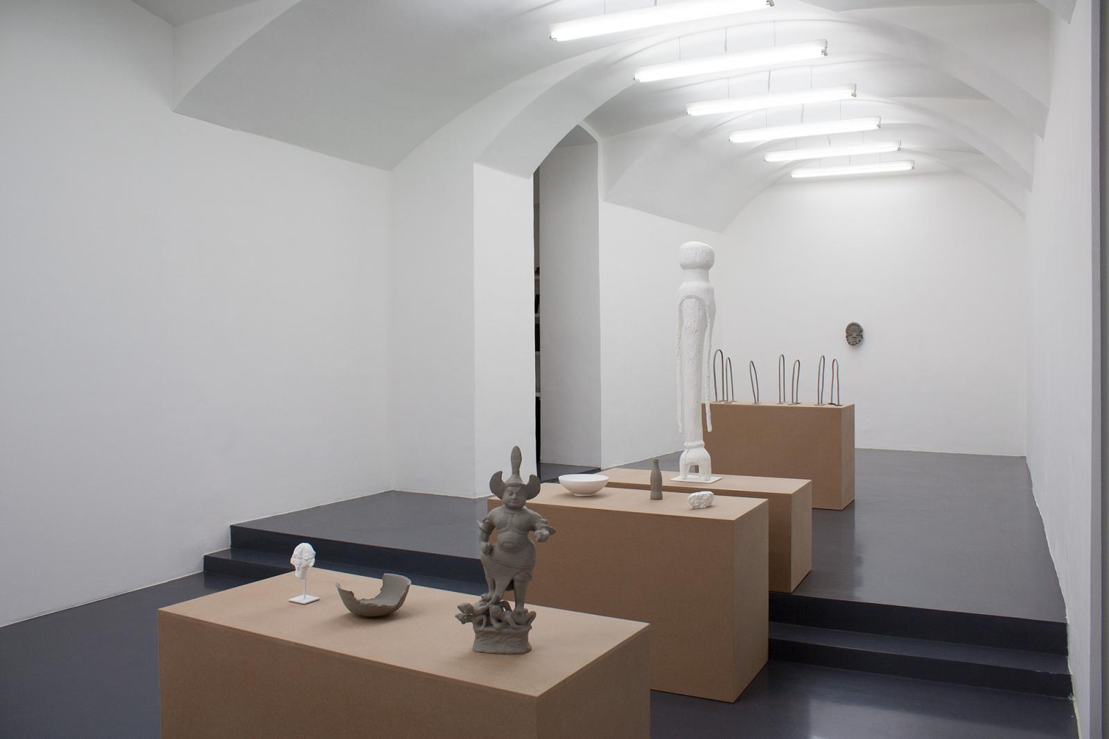 Gaylen Gerber installation view at Galerie Emanuel Layr (2017) Courtesy Galerie Emanuel Layr
