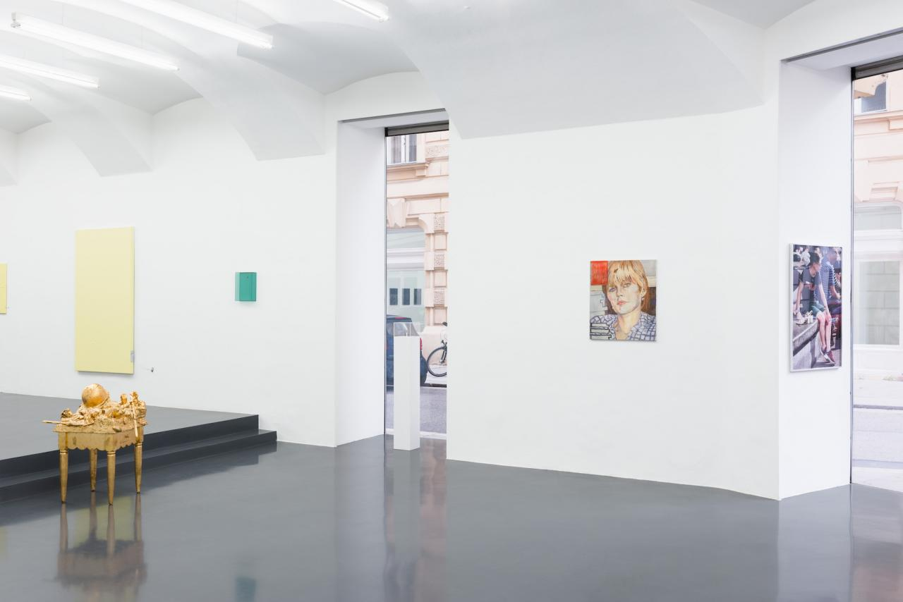 """Installation view of """"Elevation"""" curated by_Robert Müllerat Galerie Emanuel Layr Photo: Maximilian Anelli-Monti"""