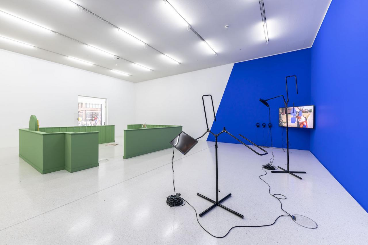 Left: Antoine Catala; Right: Sondra Perry Installation view at Westfälischer Kunstverein,2018;Photo: Thorsten Arendt