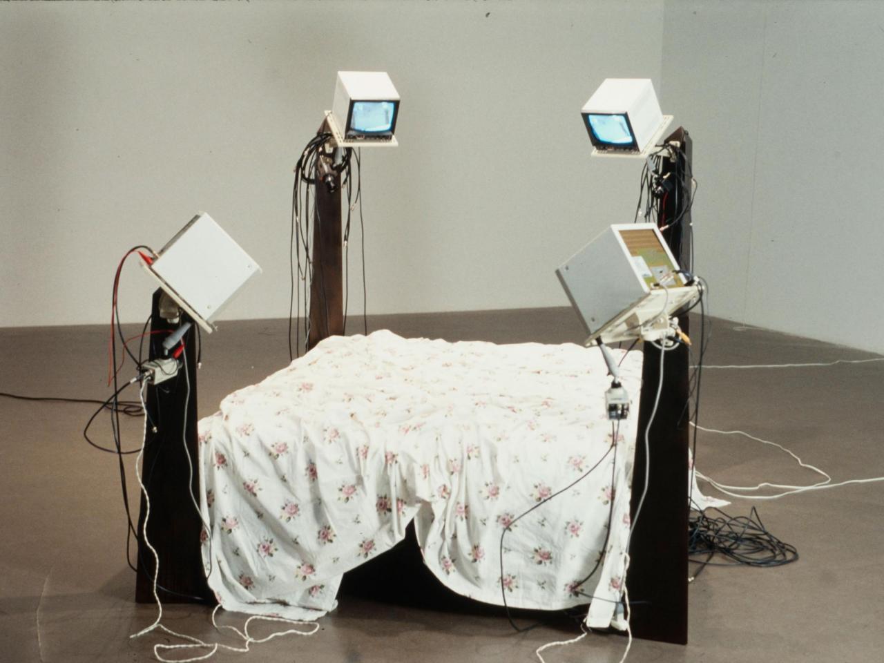 Julia Scher Surveillance Bed III, 1994 180 x 240 x 180 cm