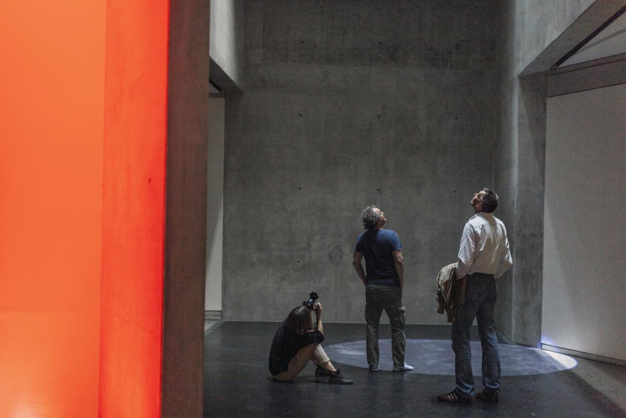 """Licht- und Klanginstallation """"res.o.nant"""" von Mischa Kuball im Jüdischen Museum Berlin 2017 bis 2019, Photo: Alexander Basile, Cologne"""