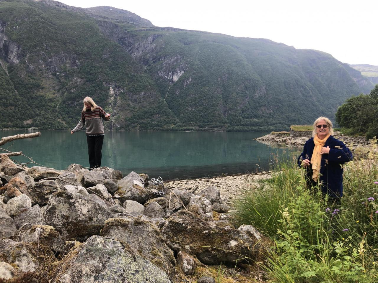 Marianne Heske (right) and Hedvig Skjorten (left) by Sognefjord