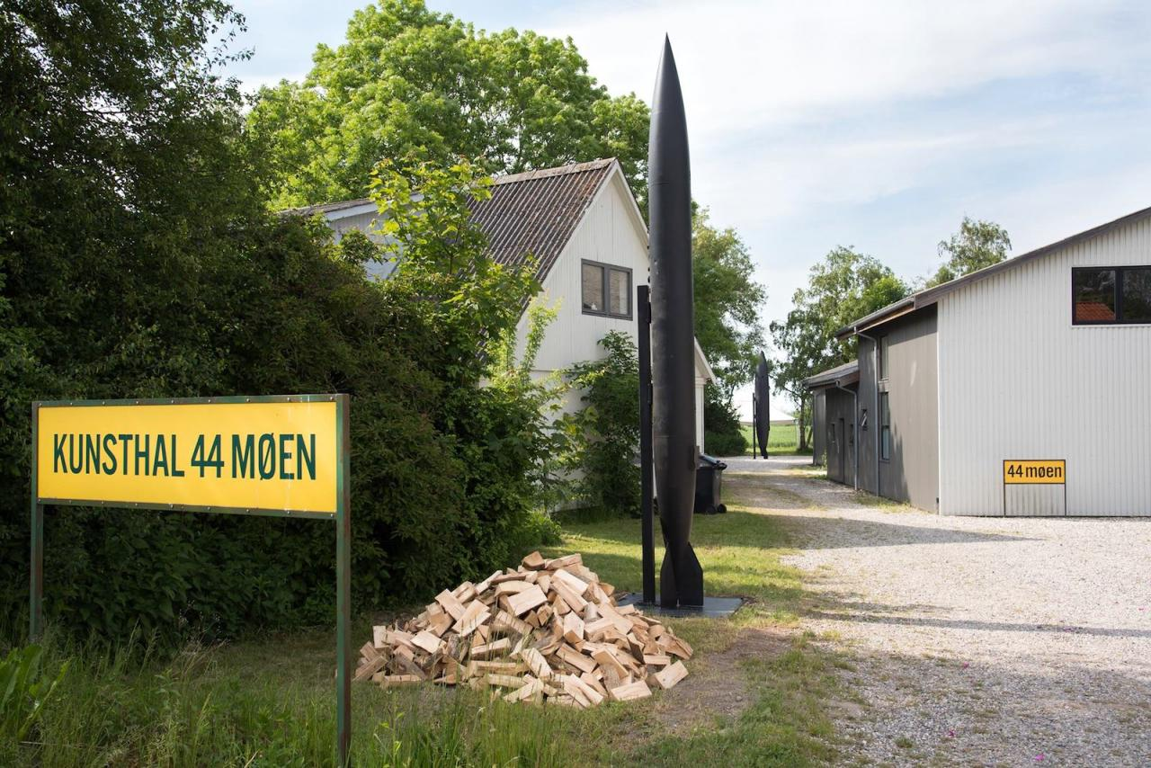 Michael Sailstorfer Brenner  (2017) at 44 Møen outside of Copenhagen