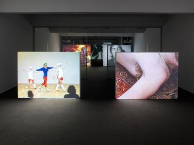 Left:  Charles Atlas Hail the New Puritan (1985/86) Right: Wolfgang Tillmans Heartbeat / Armpit  (2003) Photo: Simon Vogel