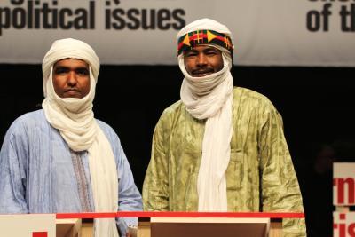 Moussa Ag Assarid & Mazou Ibrahim Touré; Foto: Lidia Rossner