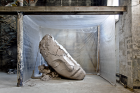 Mark Manders Dry Clay Head (2015–16)